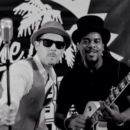 The Dualers - Up close & personal live at Bedford Esquires